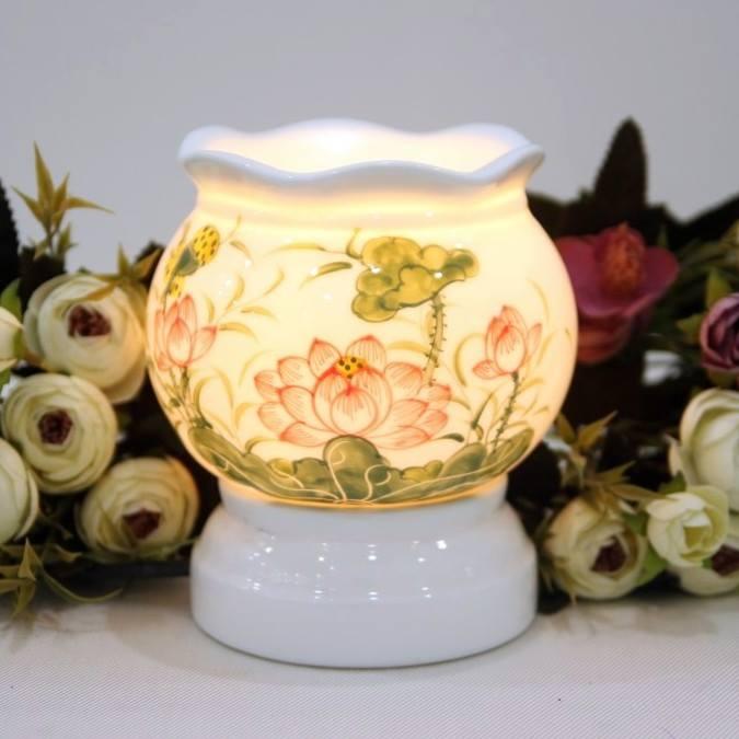 Đèn xông tinh dầu điện hoa sen