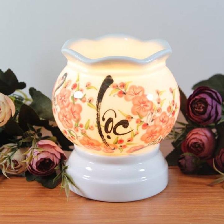 Đèn xông tinh dầu điện chữ LỘC thư pháp hoa đào